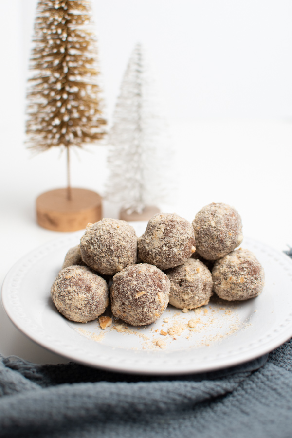 Chocolate almond balls are an easy Christmas candy.